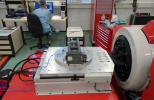 вибростенд лабораторный для испытаний